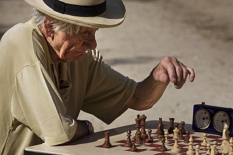 Co tracimy na starość?